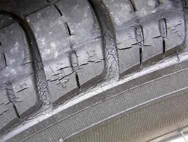 タイヤ寿命
